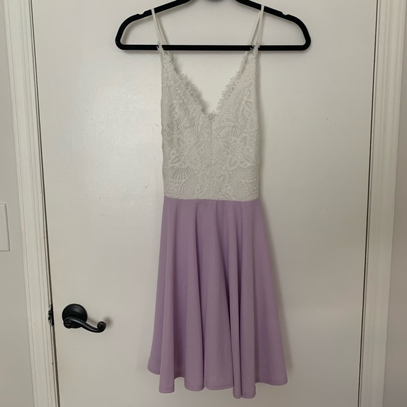 Cals Dresses & Skirts - White and lilac A line dress